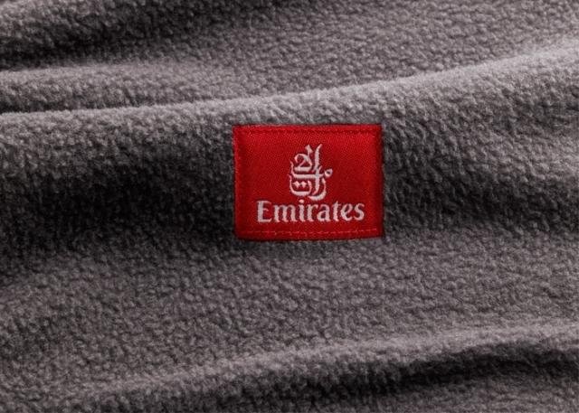 emirates_plastik_battaniye